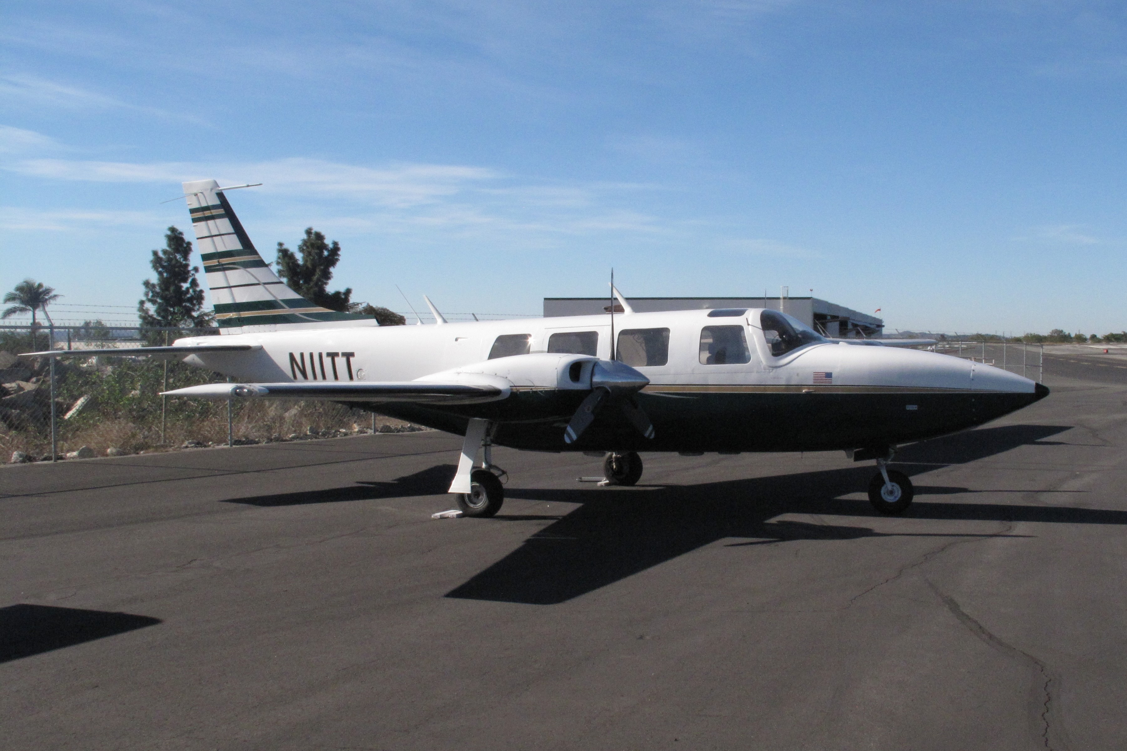 Piper Aerostar 601 Twin Engine Light Transport Aircraft Air Craft Warning Circuit History
