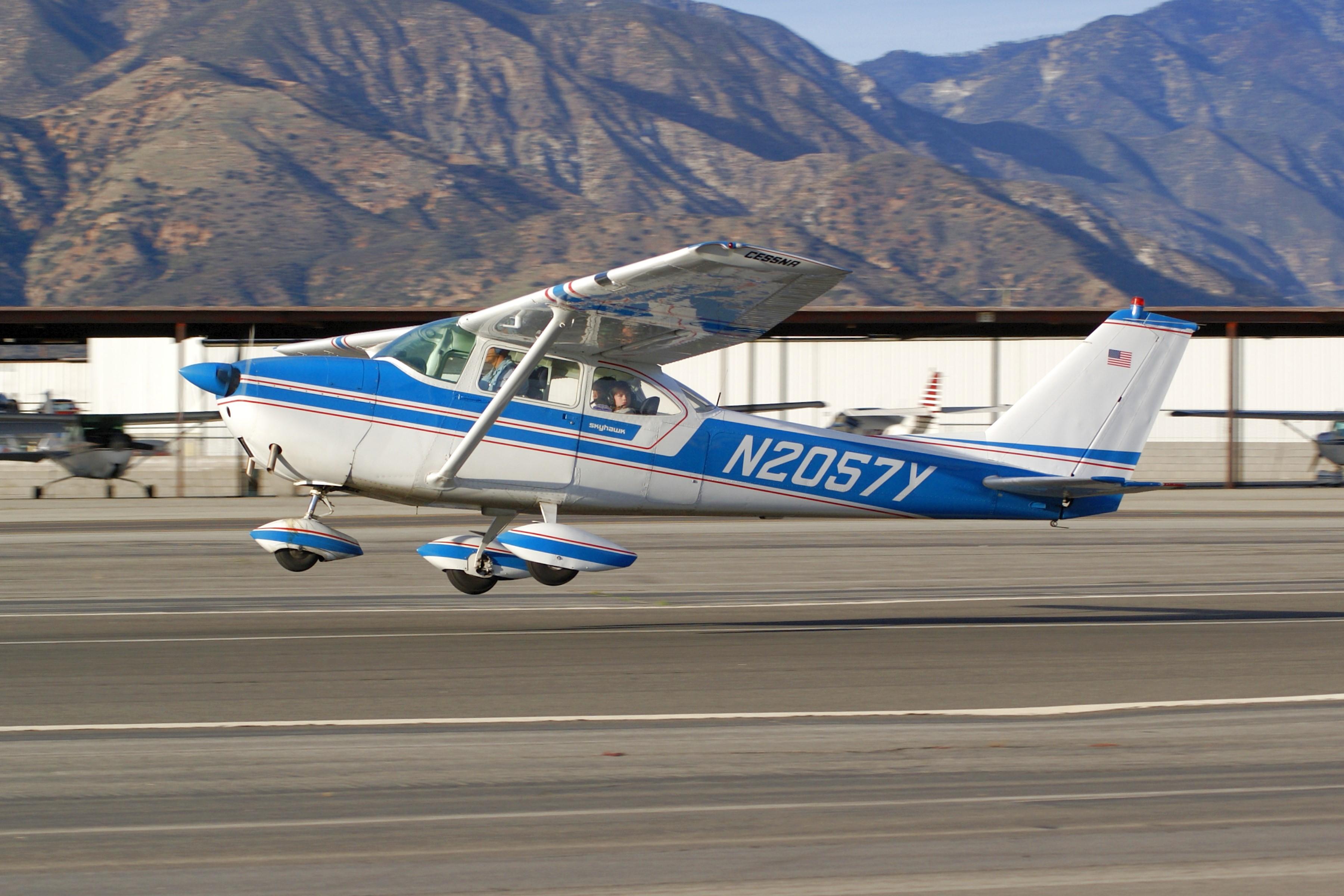 Cessna 172D Skyhawk, Single-engine High-wing Cabin Passenger