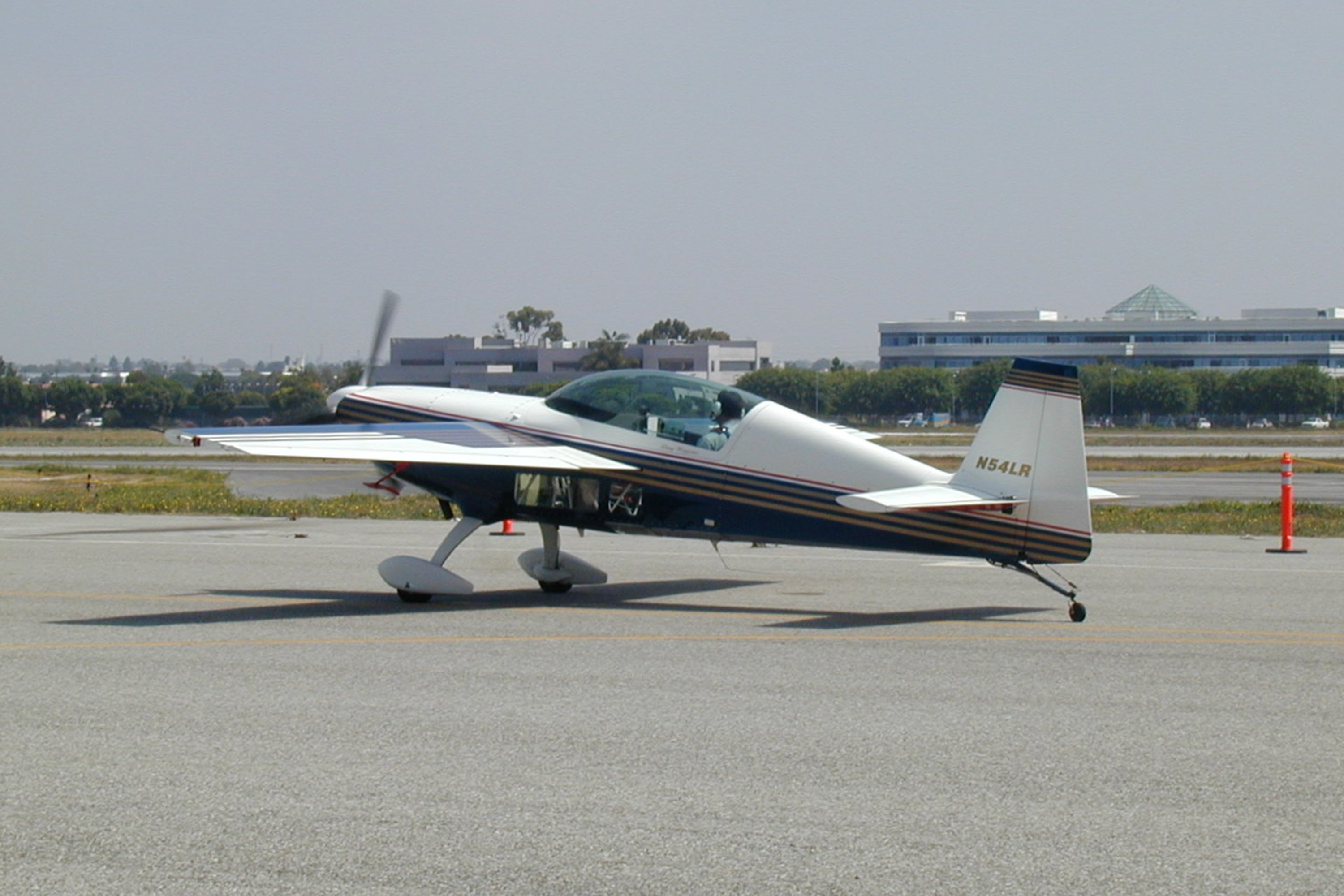 Extra EA-300 specifications an...