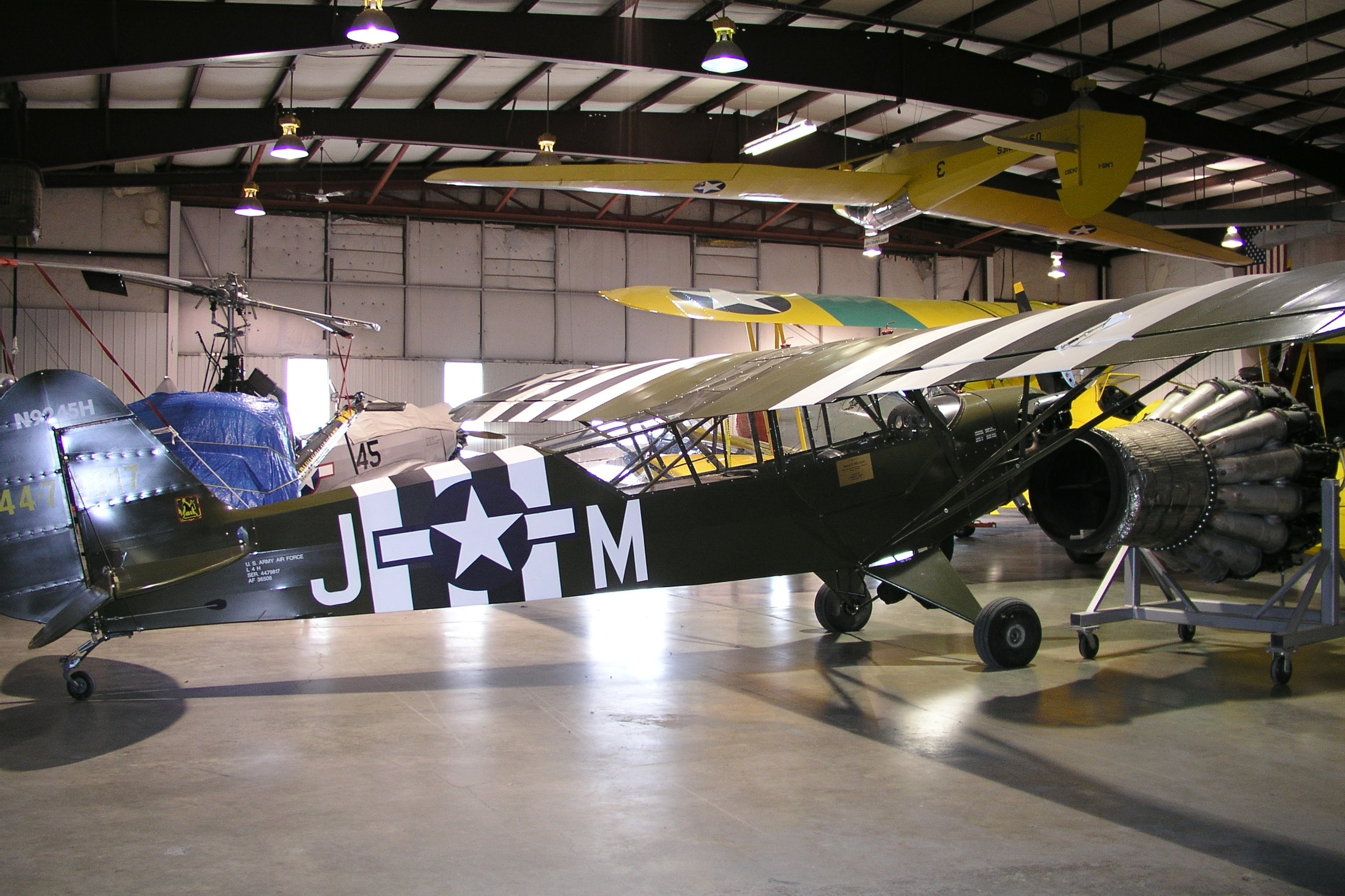 piper l 4h grasshopper wwii two seat high wing monoplane