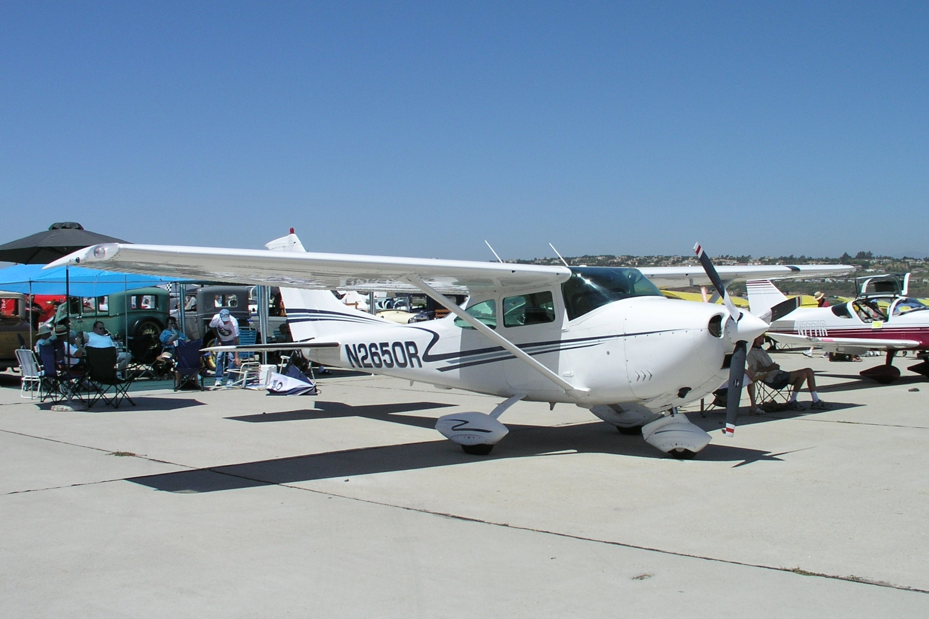 Cessna 182K Skylane, Single-engine four-seat fixed tricycle-gear