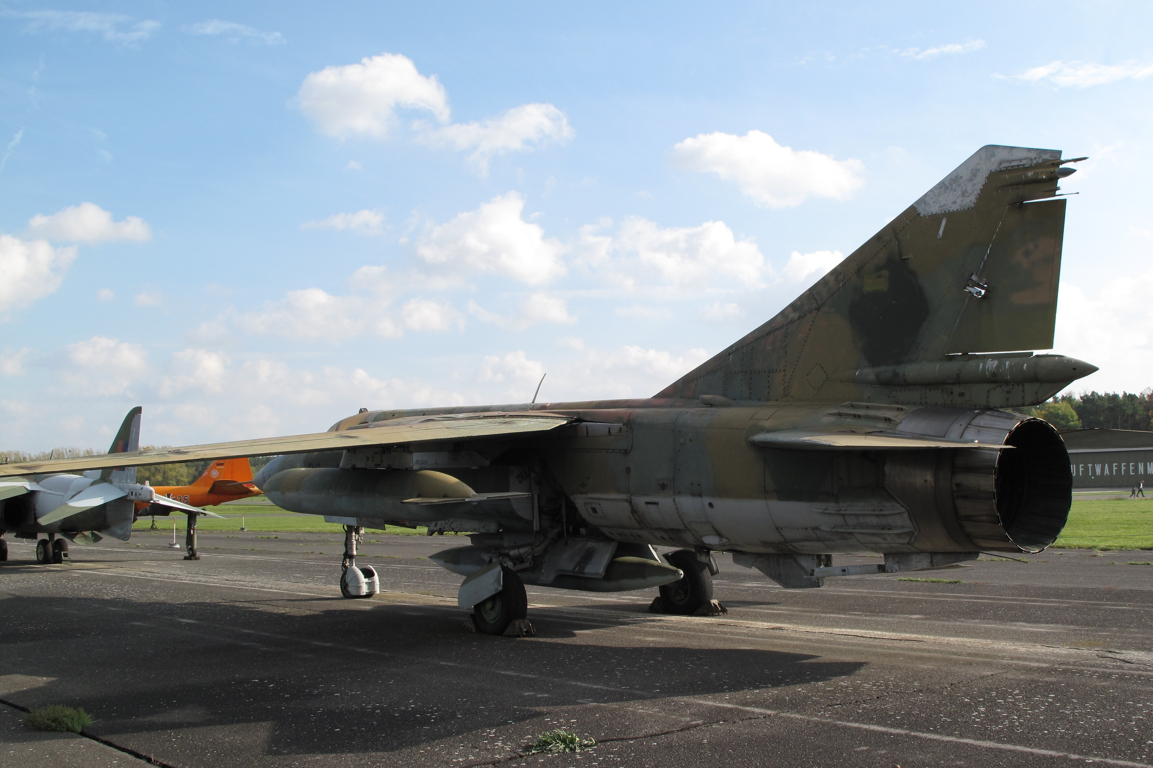 The collapse of the MiG-23 in Belgium in 1989 (4 phototext) 24Warez.Ru 33