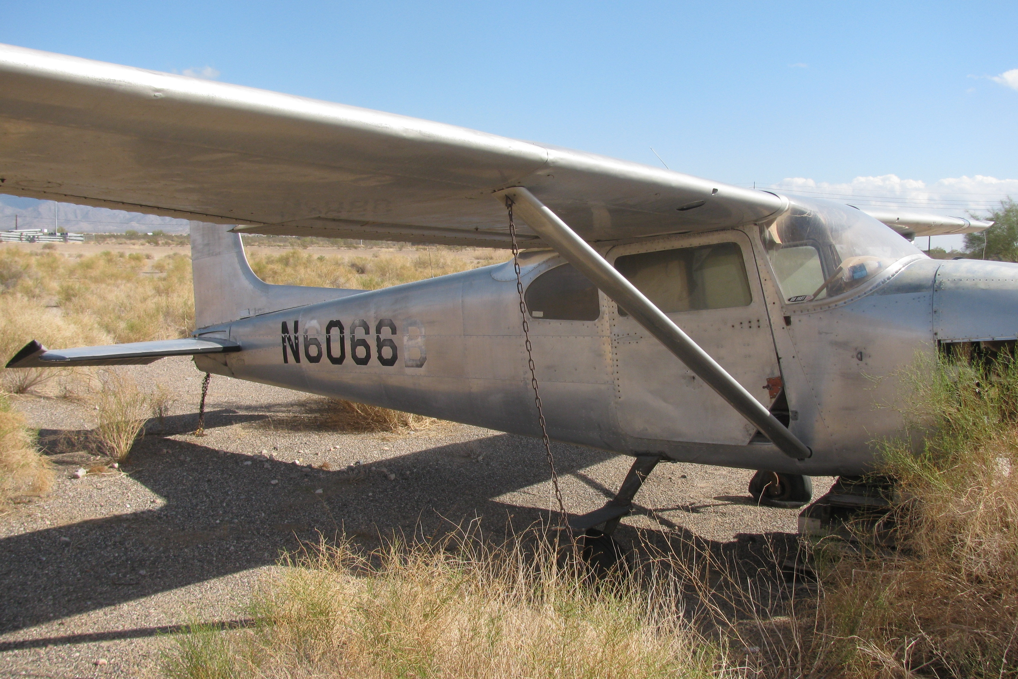 Cessna 182A Skylane, Single-engine four-seat fixed tricycle-gear