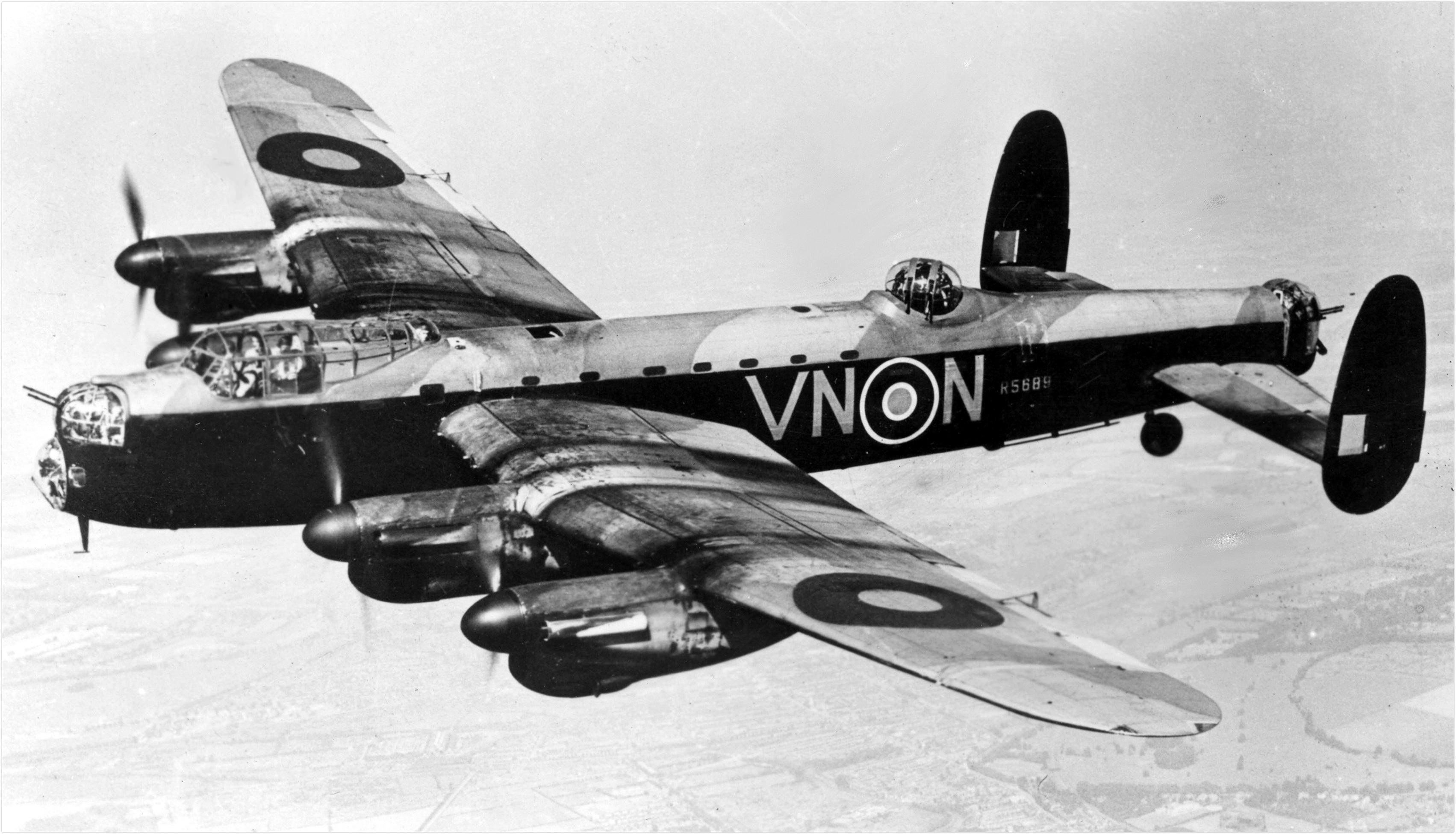 Avro 683 lancaster bi british wwii 4 engine heavy bomber overview malvernweather Choice Image